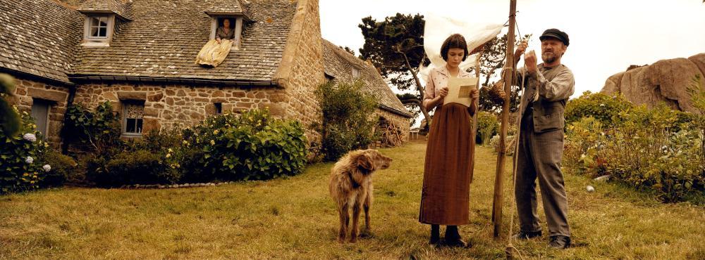 A VERY LONG ENGAGEMENT, (aka UN LONG DIMANCHE DE FIANCAILLES), Audrey Tautou, Dominique Pinon, 2004, (c) Warners Independent Pictures